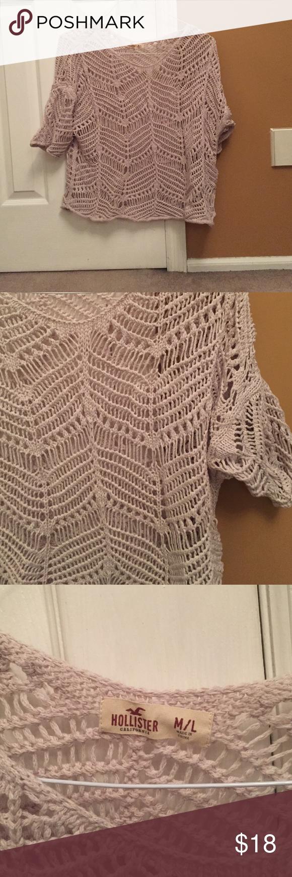 HOLLISTER SHIRT Cute shirt. Wear a tank under it ! Size medium Hollister Tops Camisoles