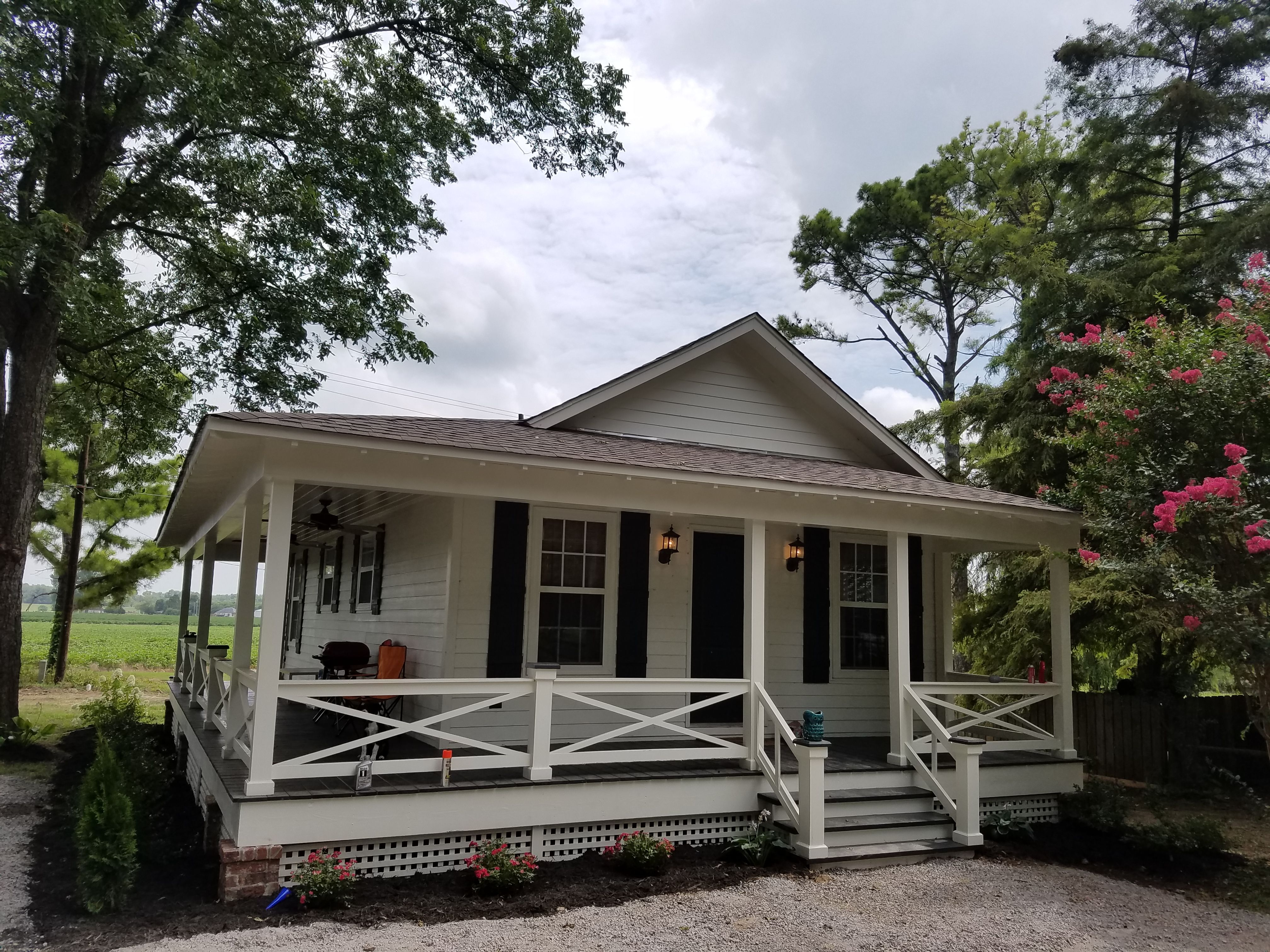 little custom homes built this 800 sq ft 2 bedroom 1 bath house with half wrapped porch for. Black Bedroom Furniture Sets. Home Design Ideas