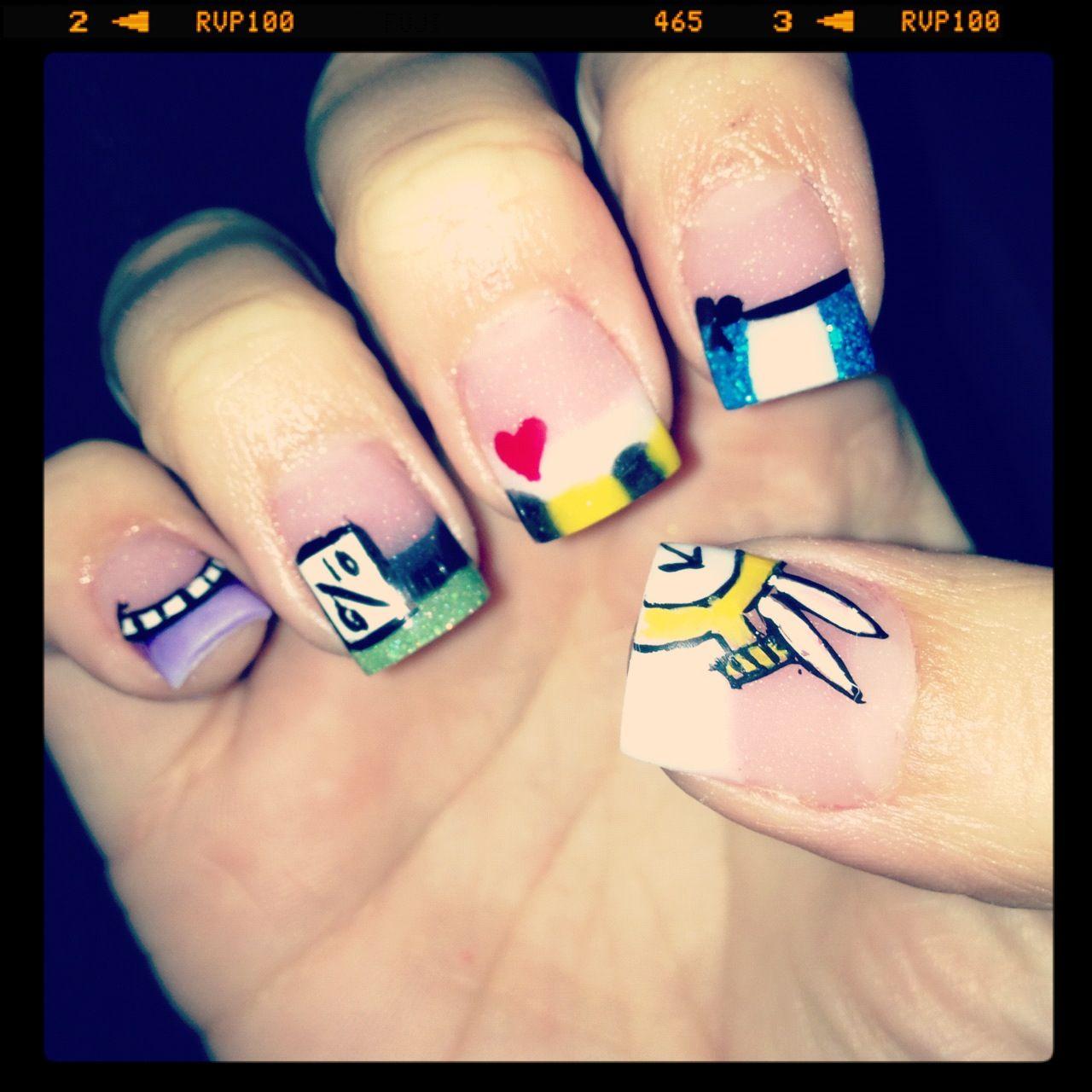 Alice in wonderland acrylic nails