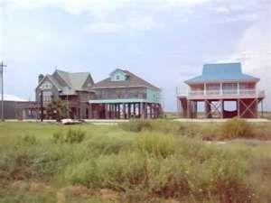 Holly Beach House On Stilts