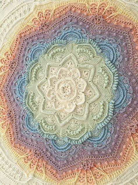 Mandala Madness-Muster von Helen Shrimpton #crochetmandalapattern