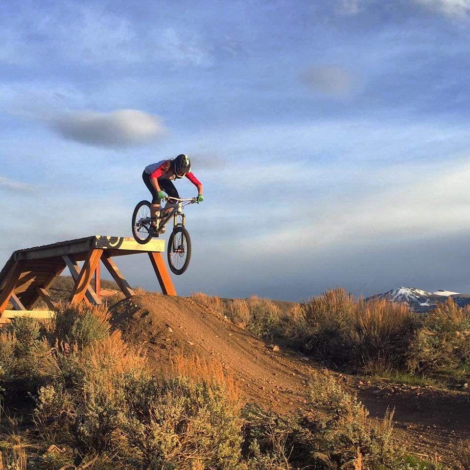 OWA Review  9 Mountain Bikes for Tall Women  8d8ff5a6c