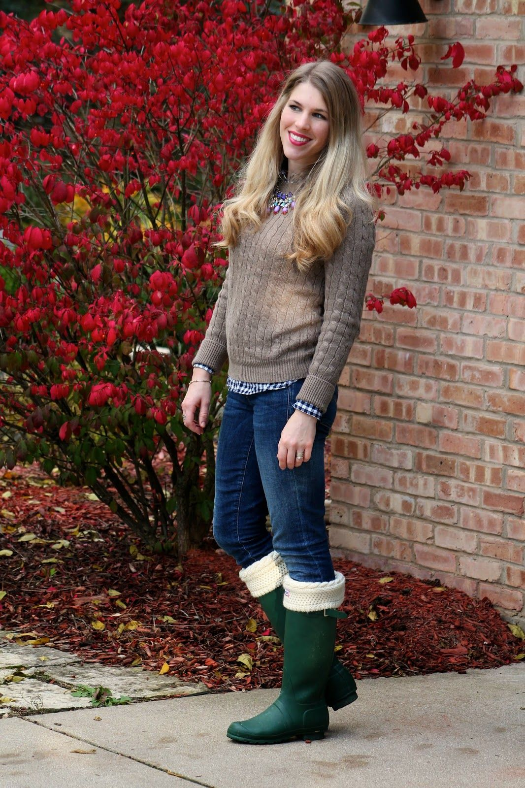 I do deClaire: Sweater, Gingham, and Hunter Boots