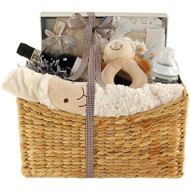 baby pr sentkorb in neutralem beige ein tolles baby. Black Bedroom Furniture Sets. Home Design Ideas
