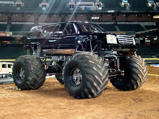 En Escalade Monster Truck With Spinners With Images Monster