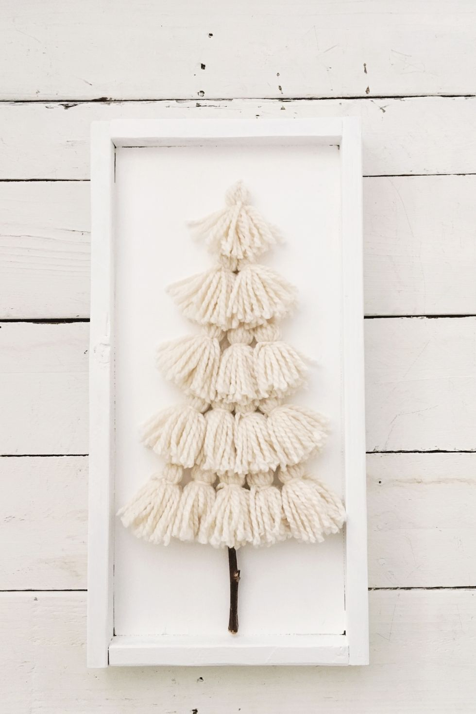 30 DIY Christmas Decorations That'll Bring Rustic Charm to Your Home