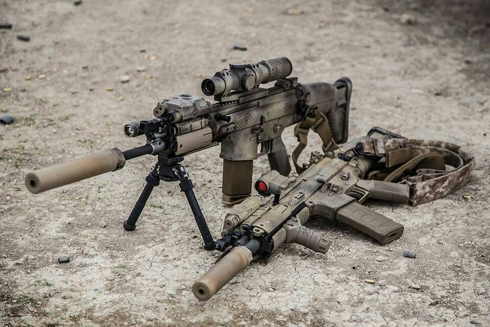 SCAR-h on the bipod and SCAR-L on the ground  jdm   Ⓖuns   Guns, Fn