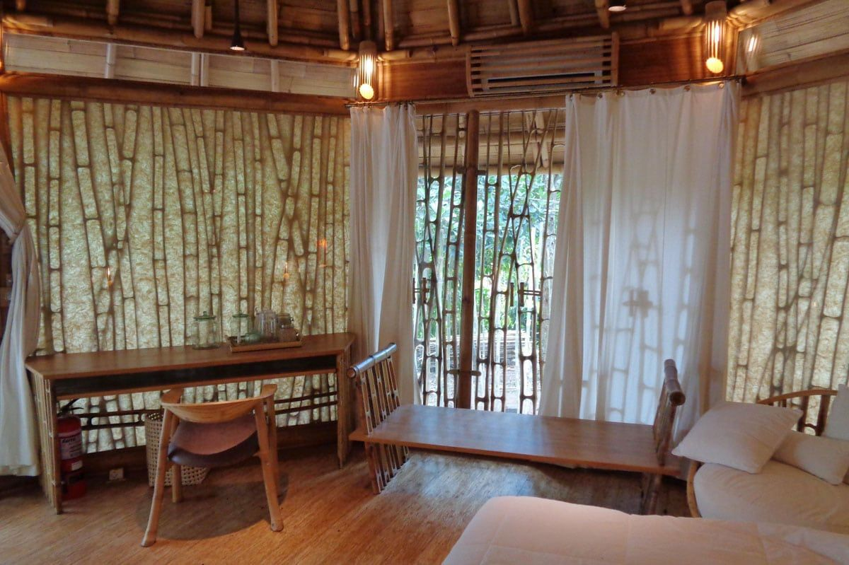 Bamboo Decor, One Bedroom