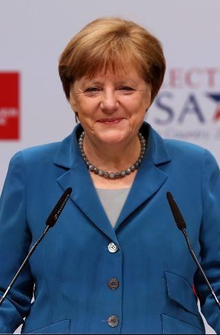 Angela Merkel Angela Merkel Merkel Und Historische Bilder