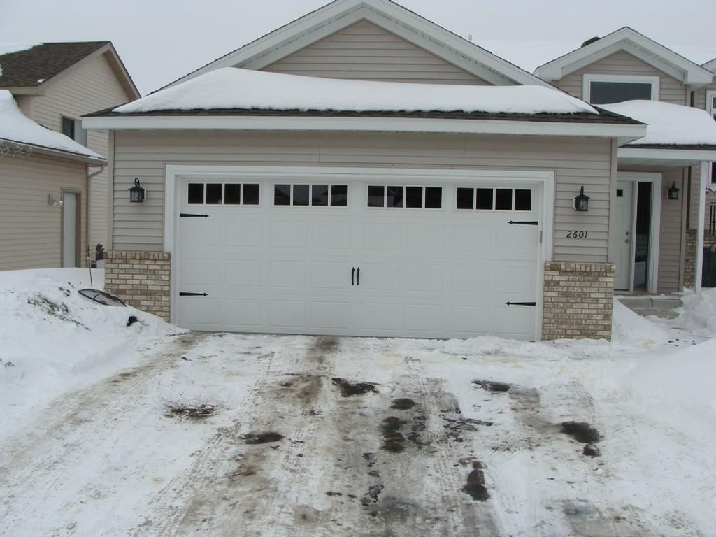Carriage double garage door - Garage Door Classica Santiago With Seine Windows And Blue Ridge Handles And Hinges In White Amarr Carriage Garage Doors Pinterest Garage Doors And