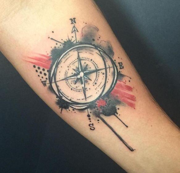 Photo of 50 conceptions et idées impressionnantes de tatouages de boussole – motifs de tatouage