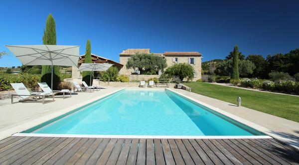 Superbe mas Provençal entouré de vignes avec 5 chambres, 5 salles de - location vacances provence avec piscine