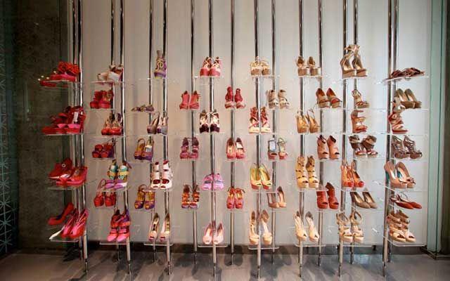 Decoracion zapaterias 74 escaparate zapatos pinterest - Decoracion zapateria infantil ...