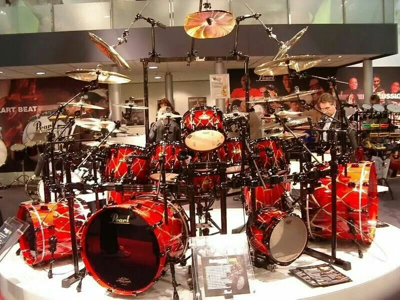 i really wonder how much that drum kit cost morn i got for sure drums that are cool. Black Bedroom Furniture Sets. Home Design Ideas