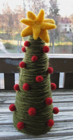 Yarn & Felt Christmas Tree