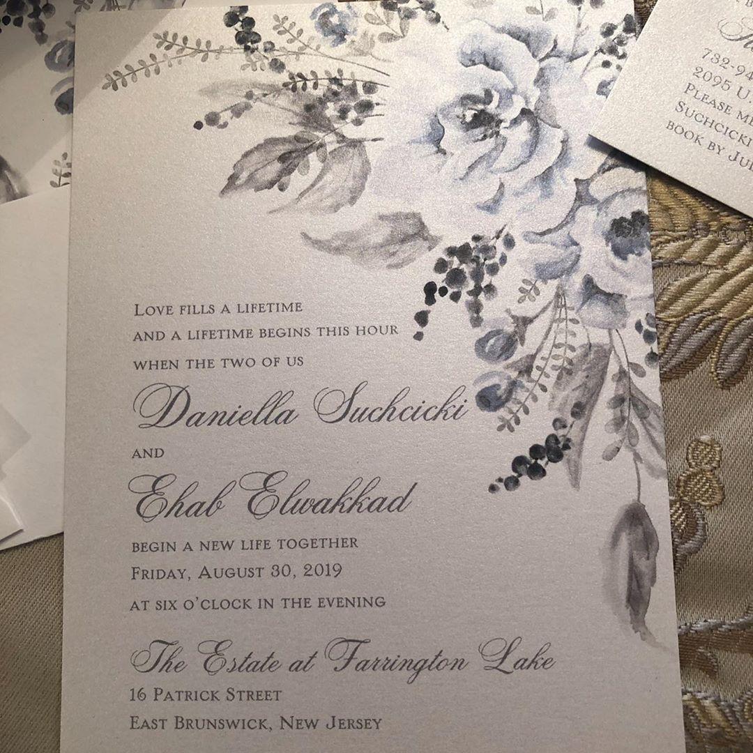 Wishing my sweet bride the best wedding day ever!!! @sweet_ideasbysue  #TheKnot #WeddingWire #PaperGeek #ItsInTheDetails #SweetIde… | Wedding  wire, Invitation design