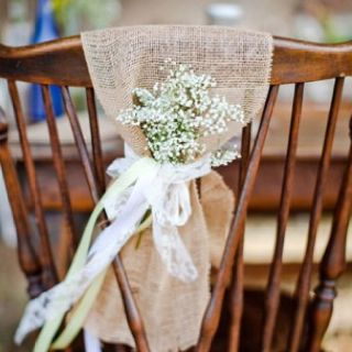 HA...babys breath, outdoor wedding decor :)