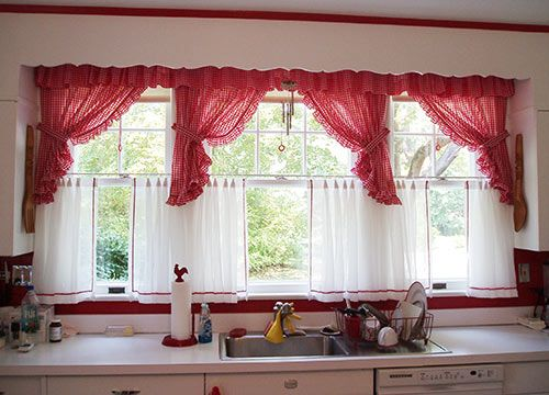 Superieur Red+gingham+curtains   David Creates A Sunny Red And White Vintage Kitchen  For His 1930 Dutch .