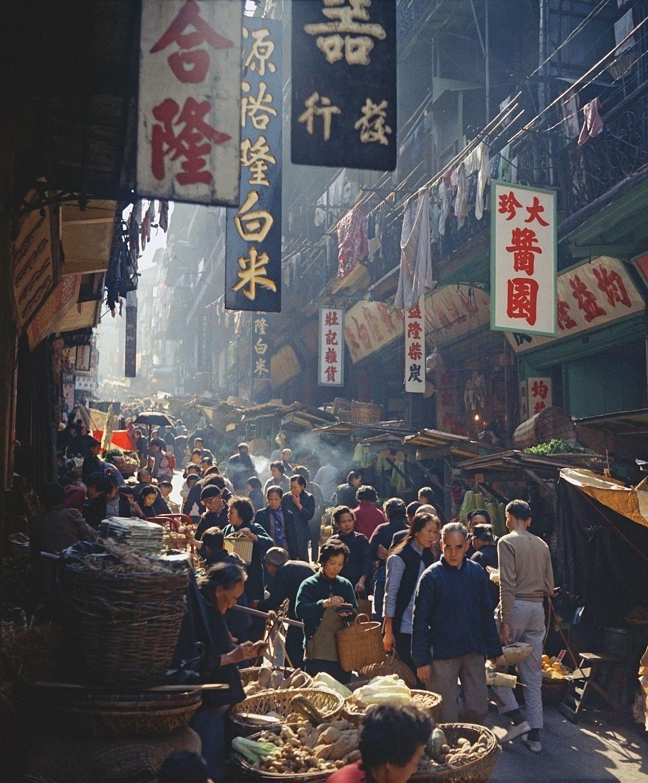 Hong Kong Street Photography at the Blue Lotus Gallery. #photography #streetphotography