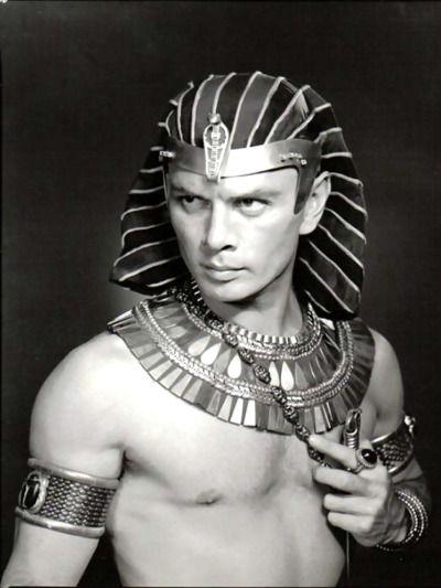 1956 Yul Brynner play Ramses in 'The Ten Commandments'