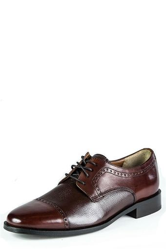 Ricardo Cap Toe Brown, stylish no matte what the occasion!