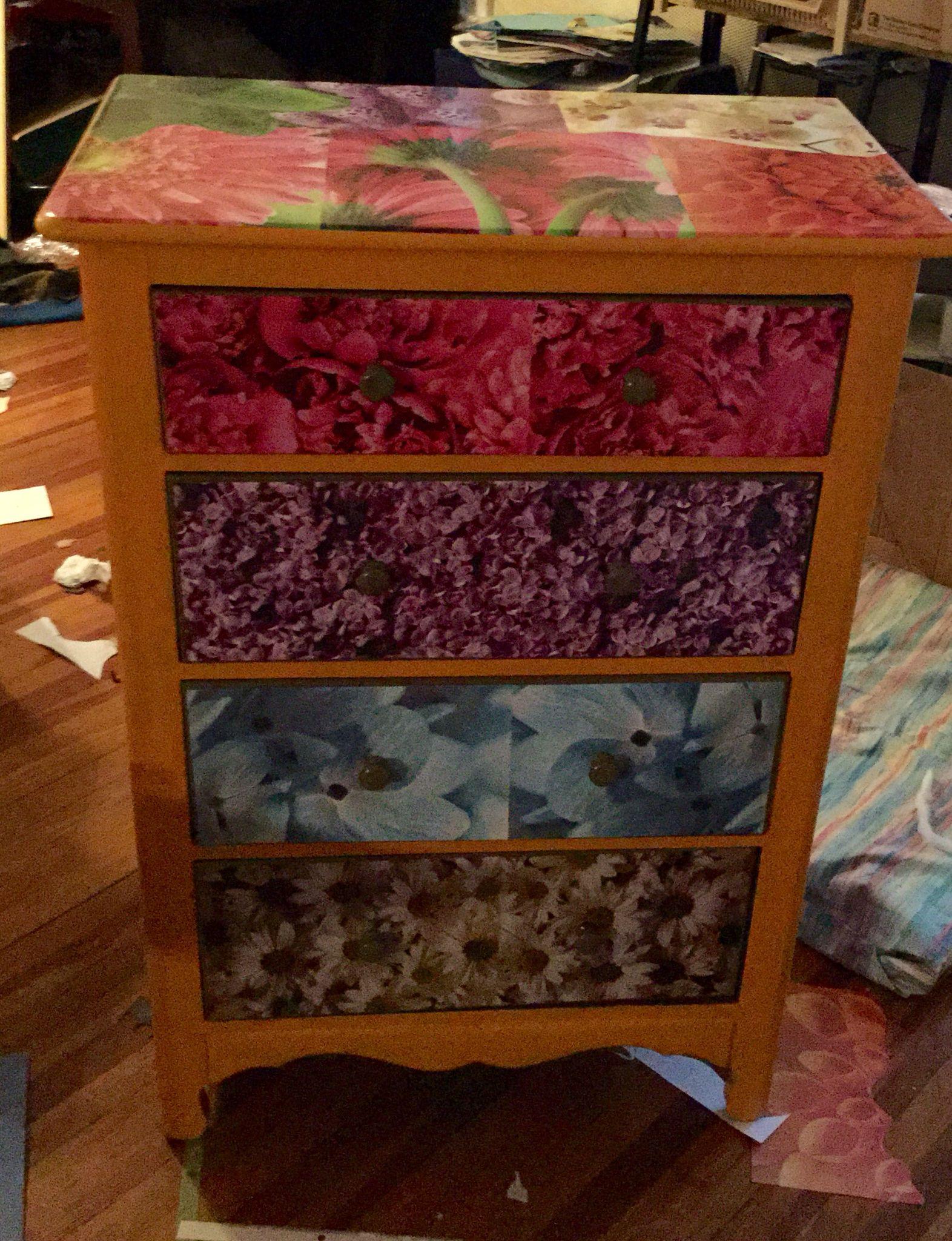 New spring dresser. Mode poge.