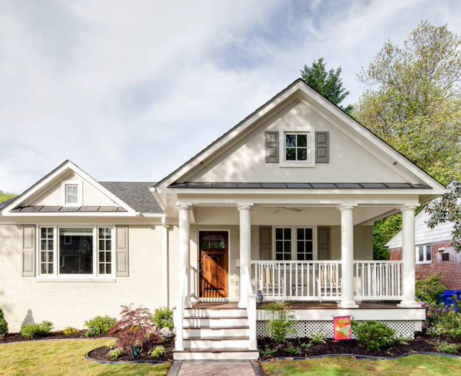 Exterior paint colors for craftsman style homes most - Benjamin moore white dove exterior ...