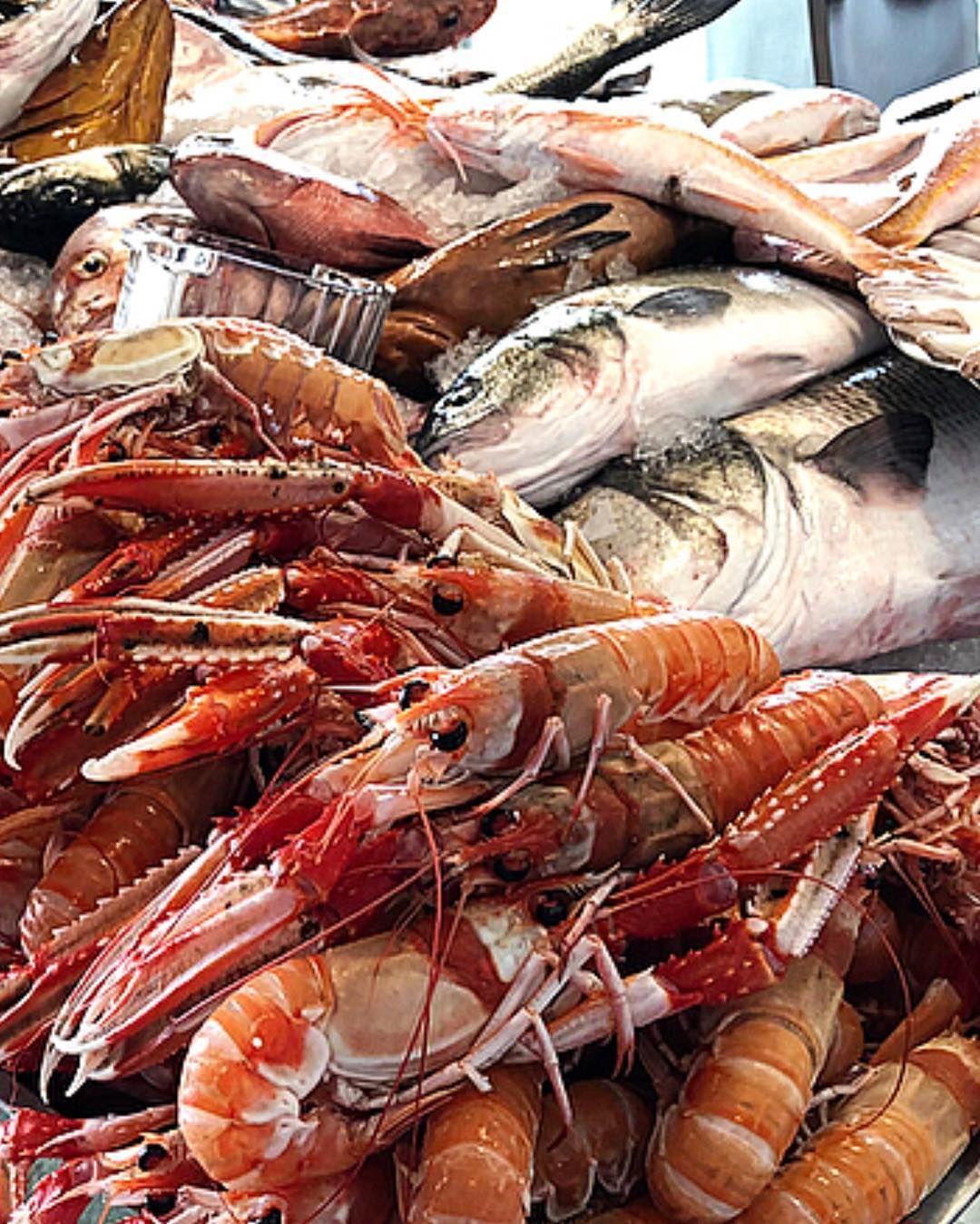 The Best Of The Mediterranean Sea Lo Mejor Del Mar Mediterraneo Cigalas Fish Norwaylobster Pescado Market Norway Lobster Mediterranean Sea Mediterranean