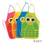 OMG....Aprons for the kids to wear to do crafts.....LOVE!!