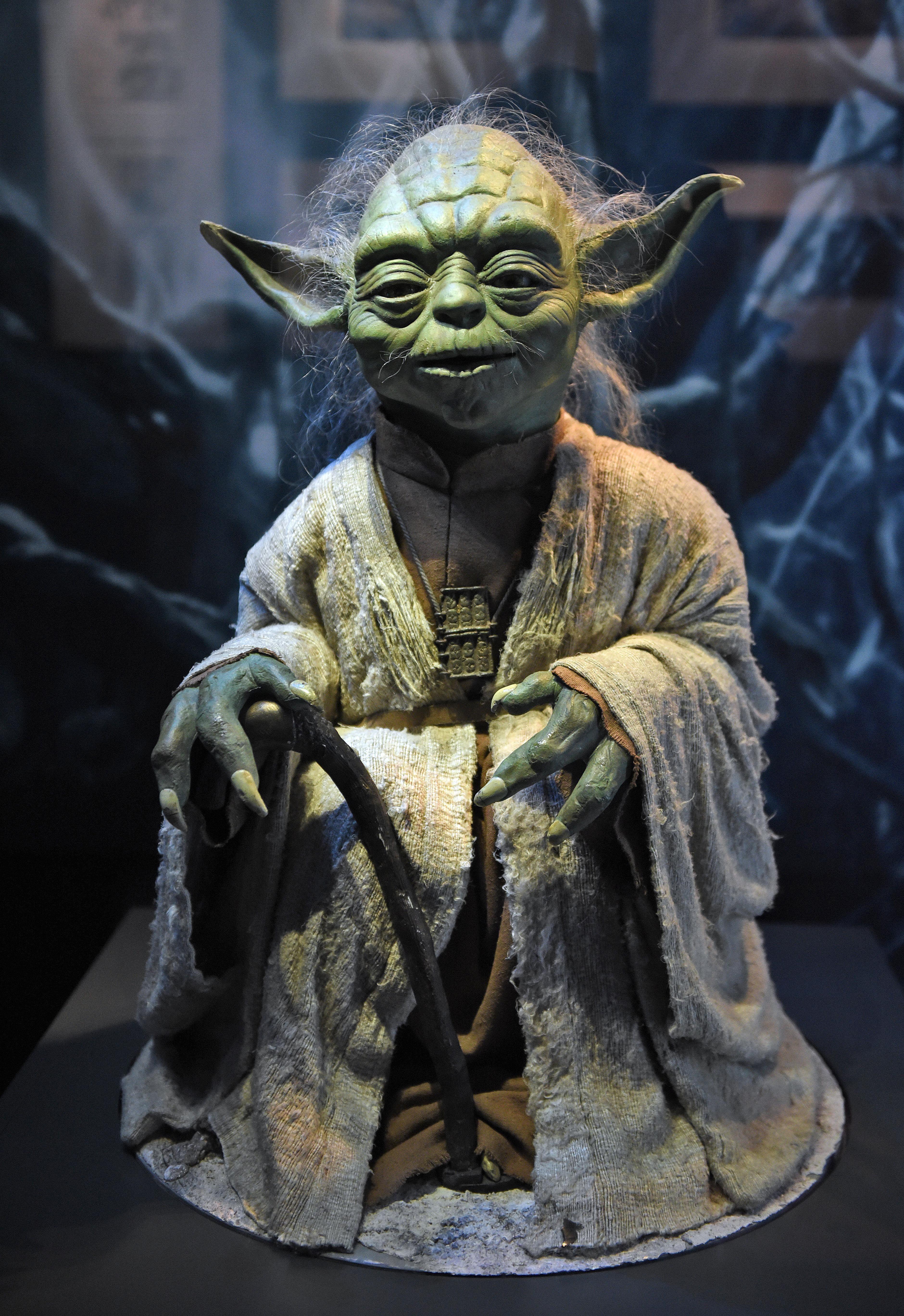 Pin von Monster Power auf Magister Yoda   Pinterest