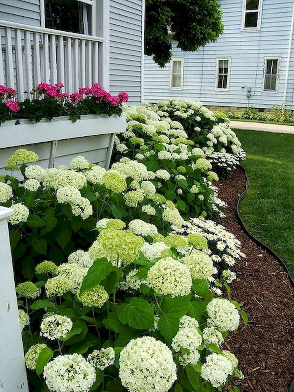60 Low Maintenance Front Yard Landscaping Ideas #smallfrontyardlandscapingideas