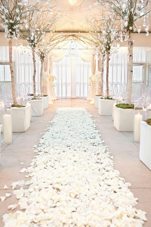 www.viajeslunamiel.com ♥ | #Ideas #Viajes #LunaMiel #Love #Amor #Boda #Wedding #NosCasamos #CelebraElAmor #Juntos #Novios #decor #decoración #Winter #Invierto #White #Blanco #Increíble