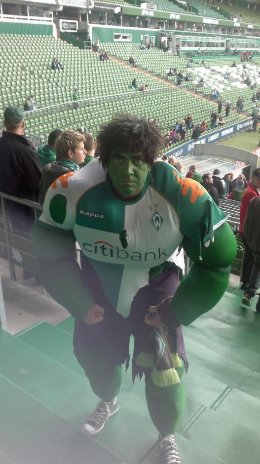 Perfect Now it us official Hulk is a Werder Bremen supporter Picture by DerOeli