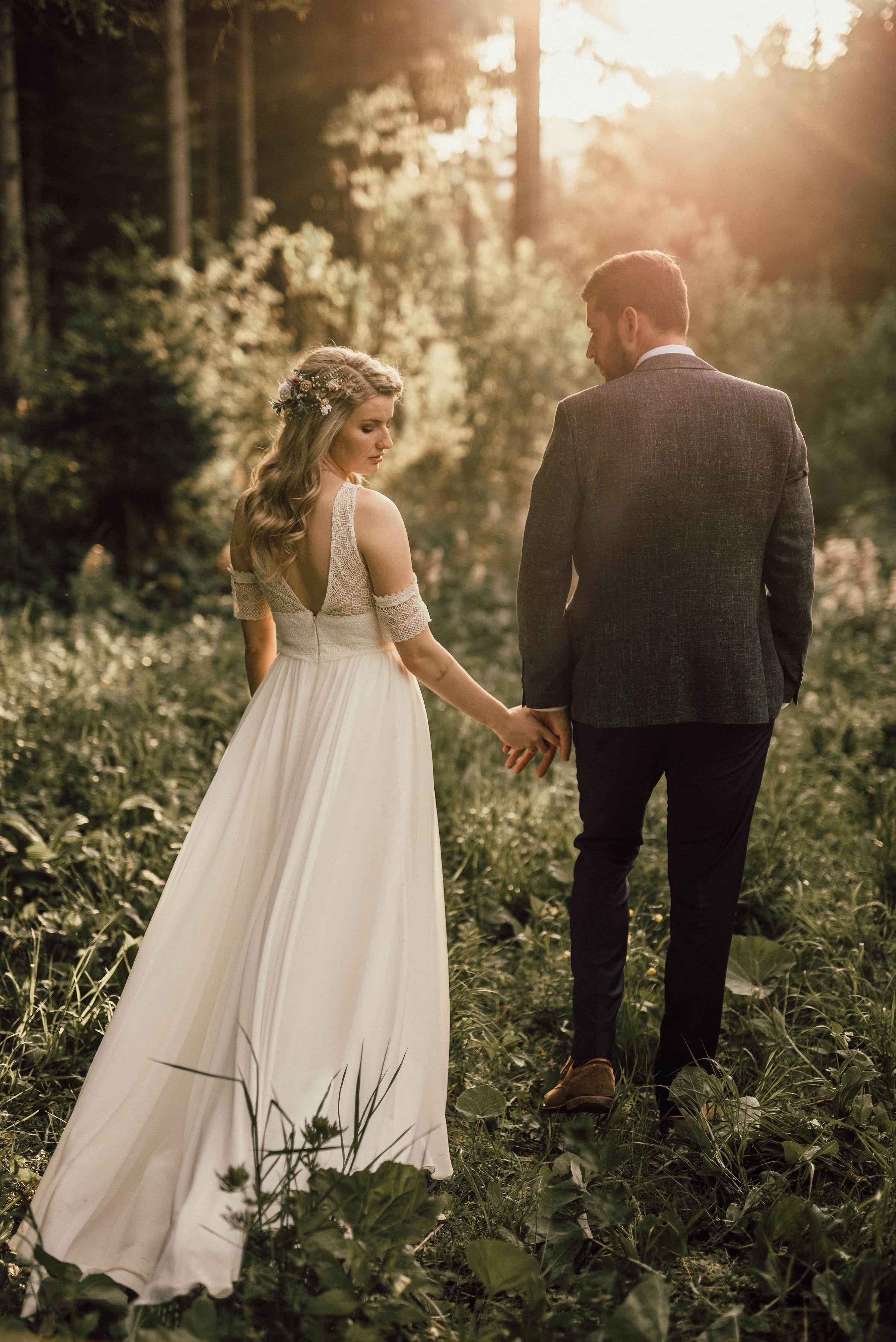 White Happily Ever After Wedding Neon Sign To Hire Hochzeitsschilder Hochzeit Willkommensschilder Hochzeit Deko Ideen