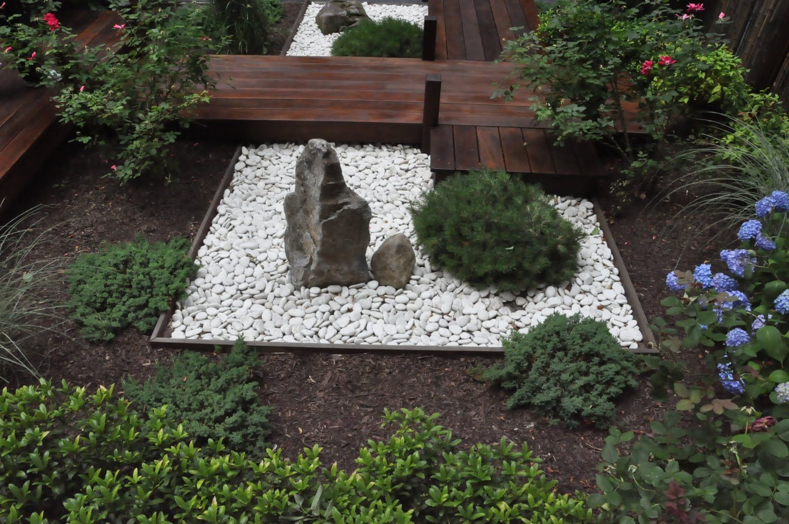 small rock gardens this small rock garden was influenced by zen meditation gardens - Garden Design Using Rocks
