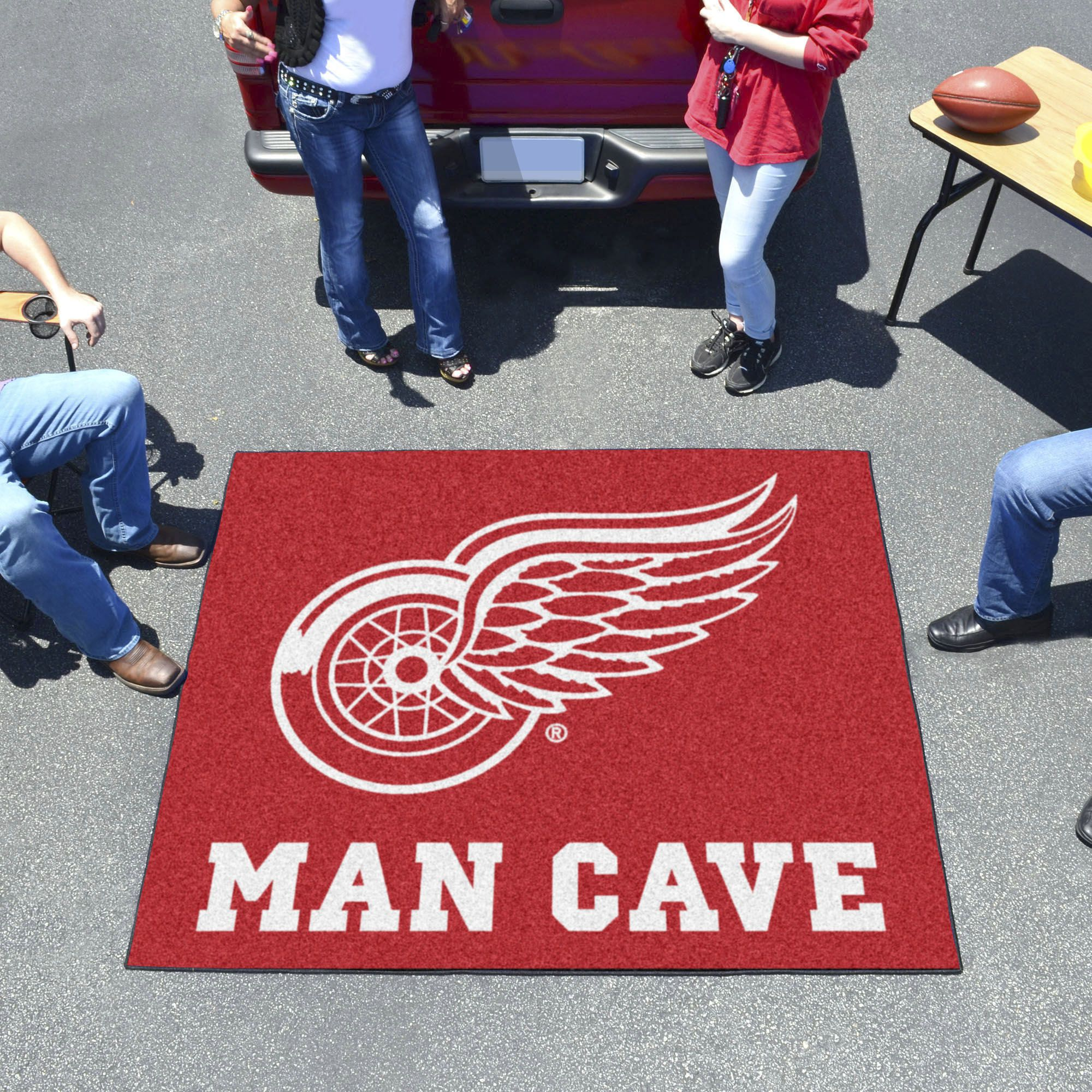 Detroit Red Wings Man Cave Tailgater