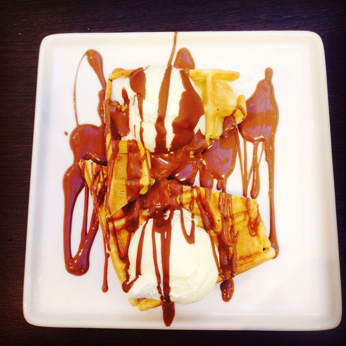 Icecream and waffles
