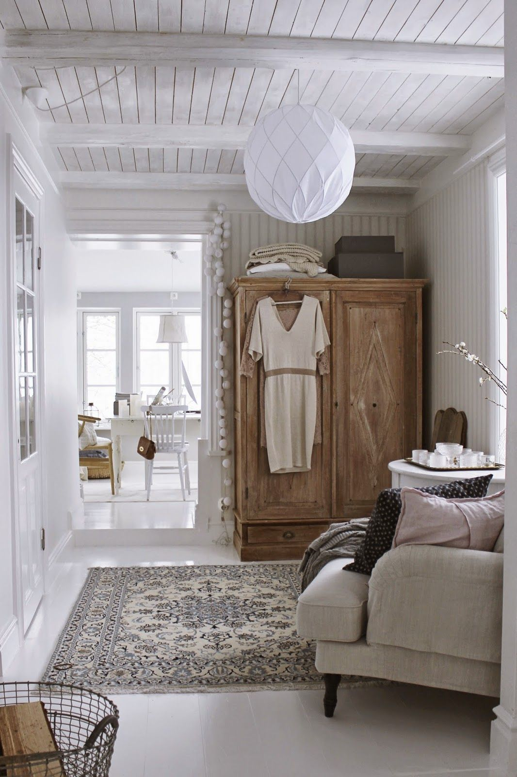 un salon boh me chic en bois blanc d co salon. Black Bedroom Furniture Sets. Home Design Ideas