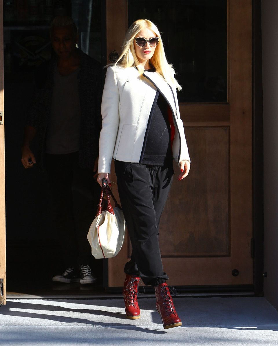 Gwen Stefani's maternity chic