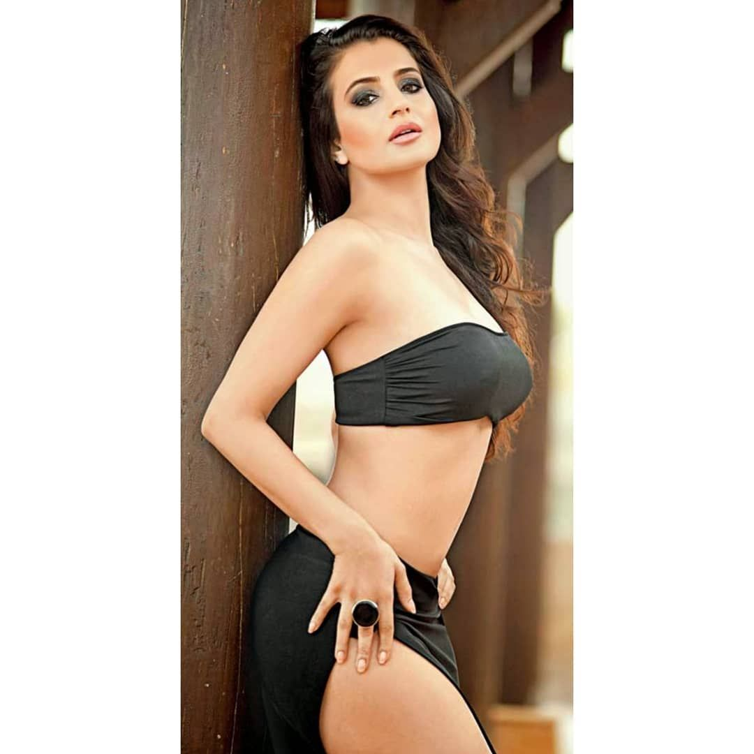 Amisha Patel Hot Nude pin on desi