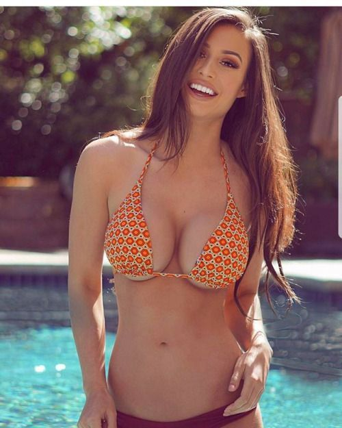 Rushe nackt sexy Mädchen