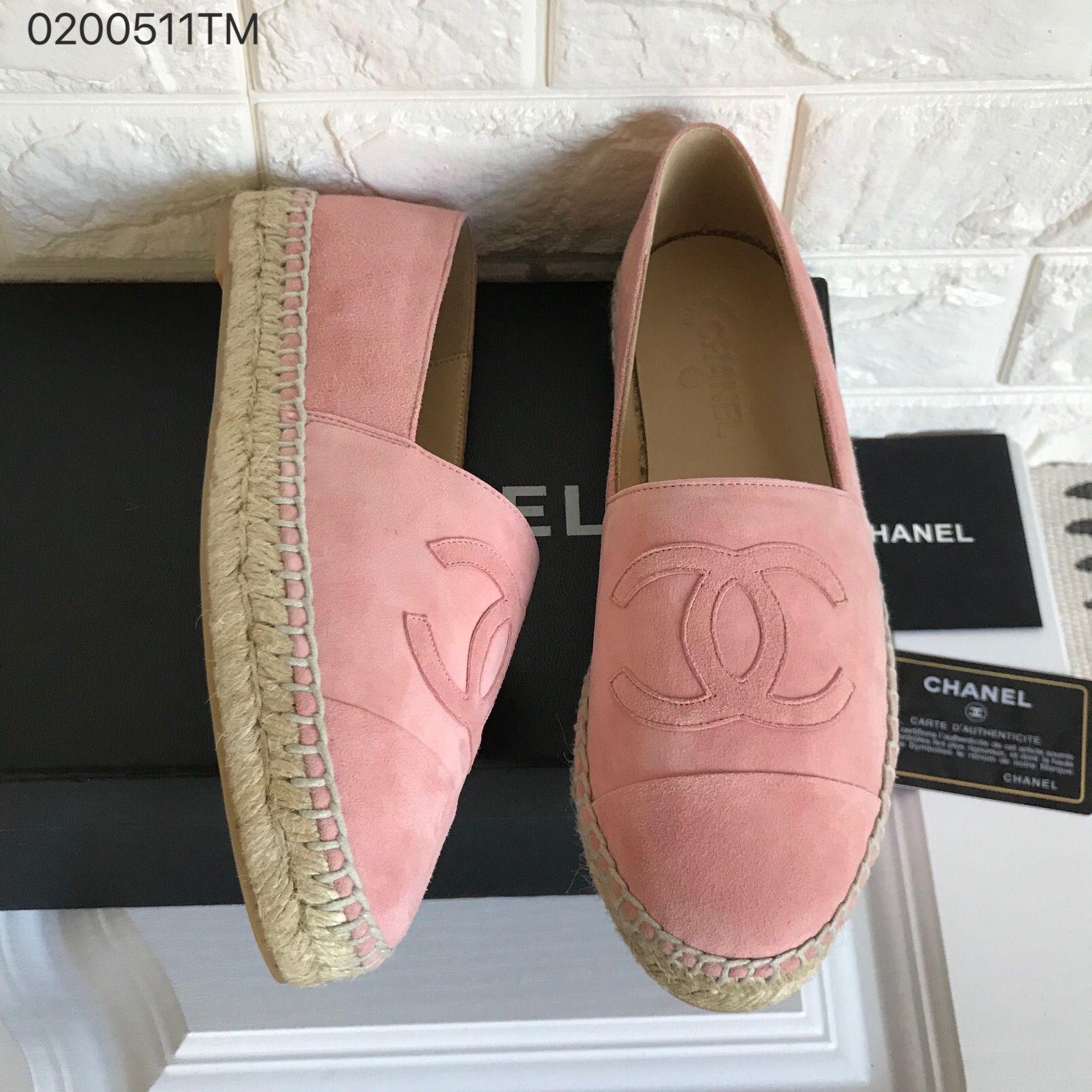 Fashion shoes, Chanel shoes flats