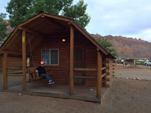 Explore Moab Utah, Hotel Reviews, And More!