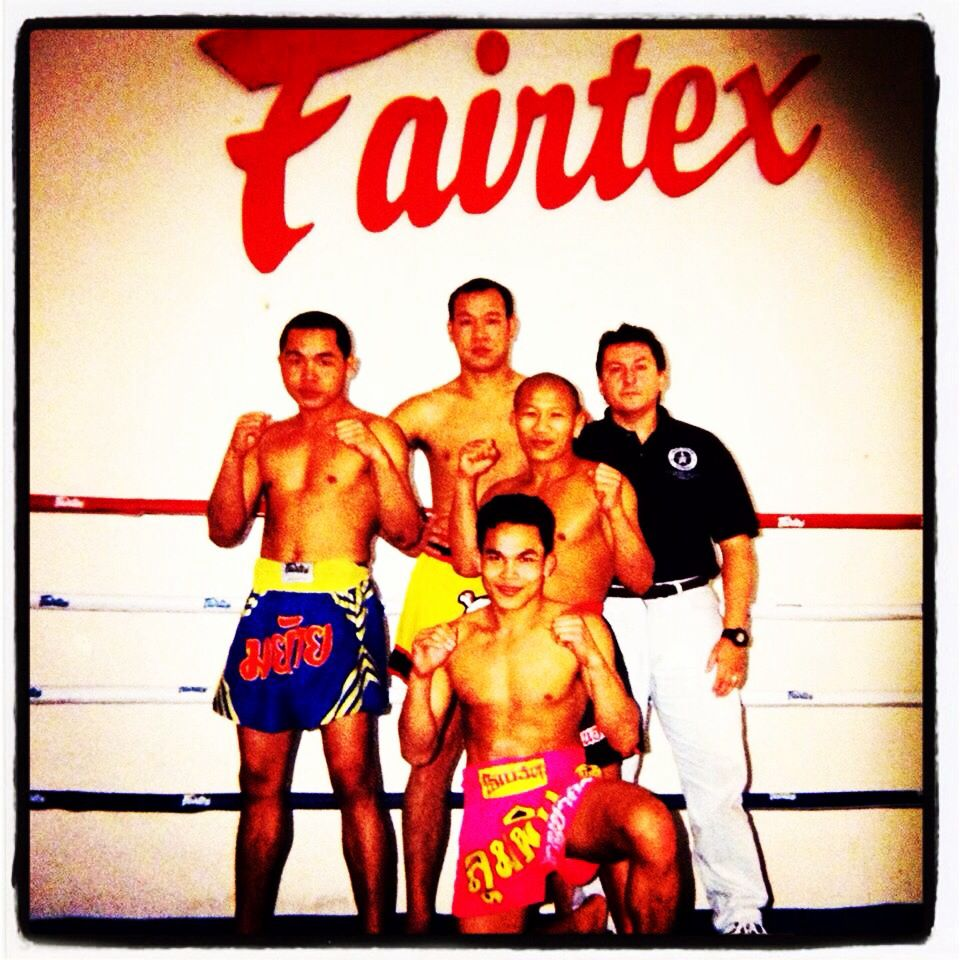 Drew 49 Years Old Posing With His Trainers At Fairtex Muay Thai In San Francisco After Drews Fight And Win Against A 28 Muay Thai Kicks Muay Thai Kickboxing
