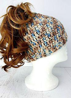 My Messy Bun Hat pattern by Yolanda Soto-Lopez #messybunhat
