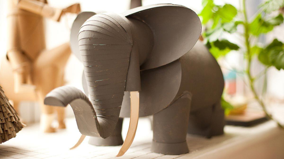 bonito elefante de carton