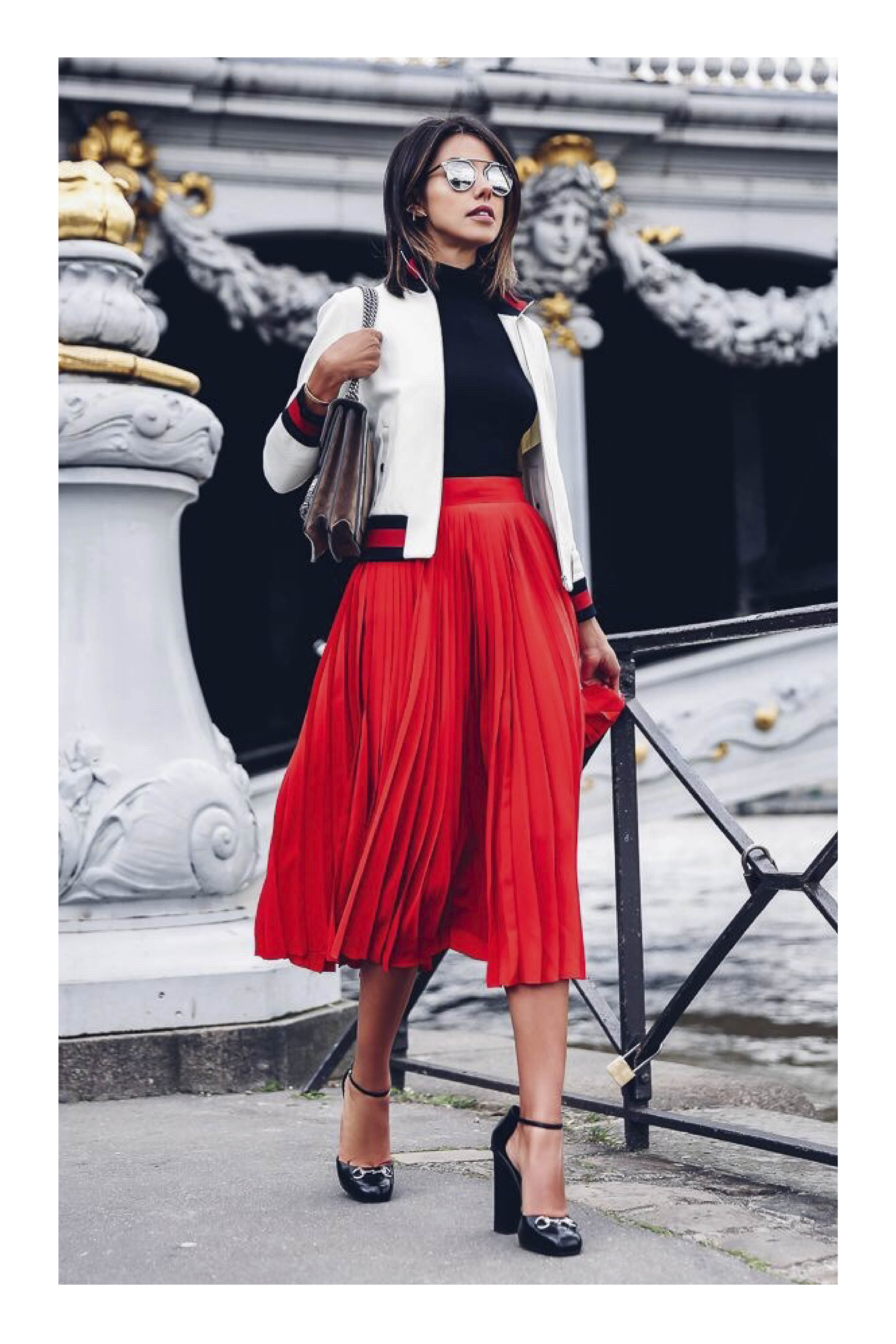 8ed3a2196a 6 Tips para vestir bien  TiZKKAmoda  falda  plisada  rojo  zapatos  negro   black  lentes  blusa  chaqueta  look  fashion  bolsa