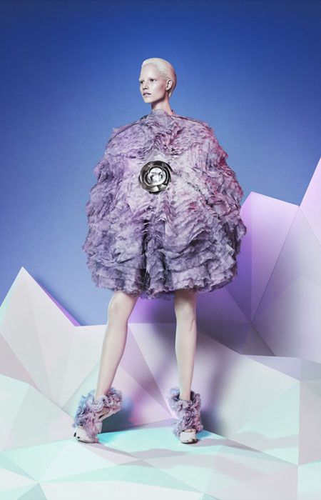 Alexander McQueen. AW 2012 - a return to the psychedelic art of the '80s. S)