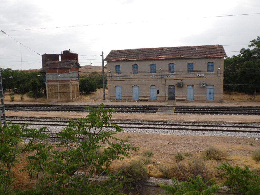 HUERTA DE VALDECARÁBANOS (TOLEDO) - Vieja estación de Ferrocarril.