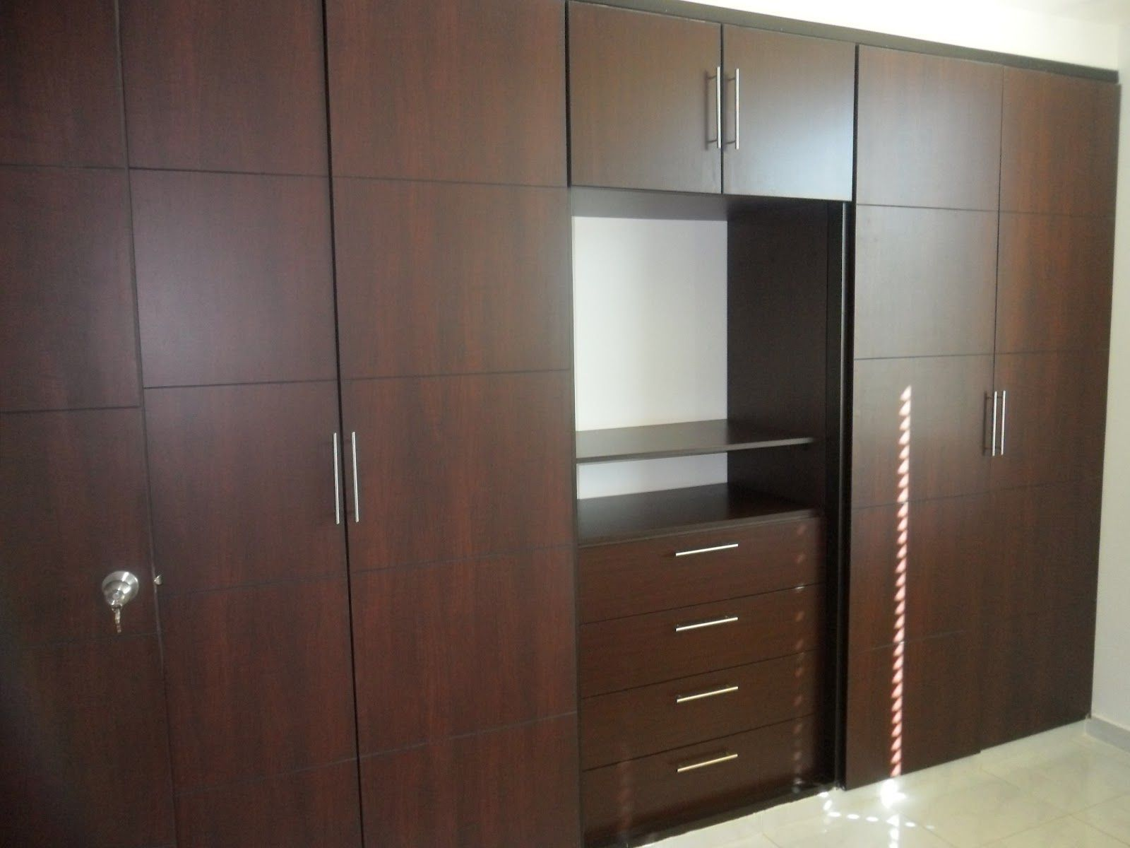 Beautiful Closet Modernos Para Dormitorios In Dark Brown Cabinet Cupboard Design Wardrobe Design Bedroom Bedroom Closet Design